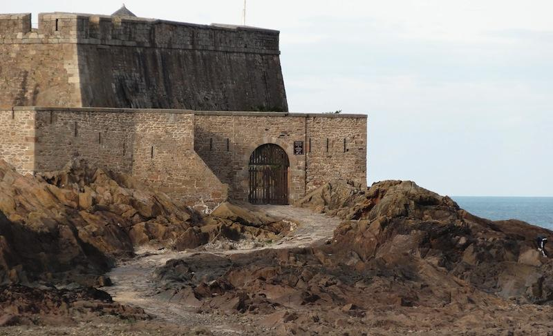 Visite du fort national à Saint Malo en Bretagne